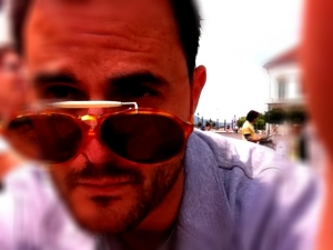 Mr. Dimitrio from Sweden with RARE Persol RATTI 450.